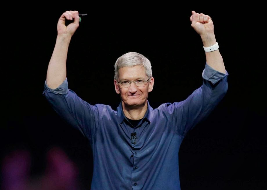 Apple CEO Tim Cook Reveals he is Gay on Bloomberg Business Week